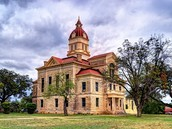 Historic Courthouse in Beelive
