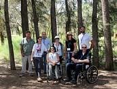 המשתתפים בכנס עמותת נגישות ישראל ביער אילנות