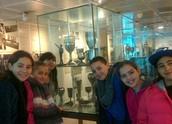 תלמידי שכבת ה' במוזאון הספורט בכפר המכביה