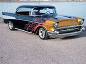 Old Middle Car 57 Chevy (1957)