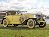 Jay Gatsby's car would be one of high value. A cream-yellow Rolls Royce, able to give all passengers luxury.