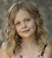 Emily Alyn Lind as Mo LoBeau