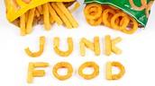 Should Junk Food be Bannd at Schoools?