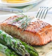 freshly grilled salmon & asparagus