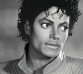 Cover to 'The Essential Michael Jackson'