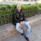 ROBERTO: THE RUSSIAN ARTIST