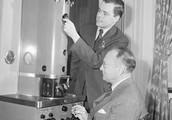 Electron microsccope
