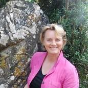 Trädgårdsturisten Ann Larås, researrangör och trädgårdsförfattare / fotograf
