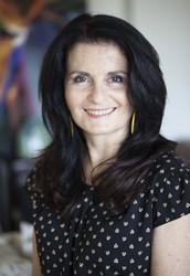 המנחה: אסתר פומרניץ