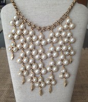 Daphnie Necklace 60% off!