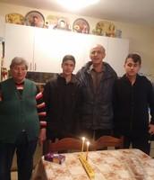 הדלקת נרות עם קשישים