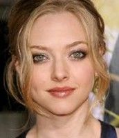 Cynthia is played by Amanda Seyfried