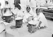 laborers make salt