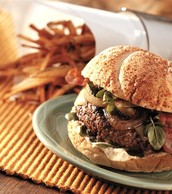 841722 - Angus Beef USDA Choice Ground Chuck Beef Steakburger 4-5# - Premium Angus Beef