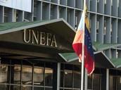 Vista parcial de la fachada de entrada de la UNEFA.