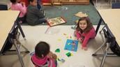 Students work together.