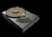 Hard drive (HDD)/SSD: