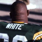 Reggie White plays the packers.