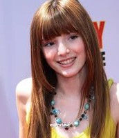 Summer is played by Bella Thorne