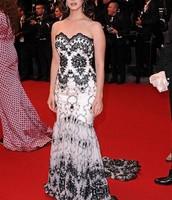 El vestido blanco y negro :)))