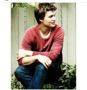 Ansel Elgort as augustus waters