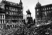 October 1918- Poland, Hungay, and Czechoslovakla declared independence