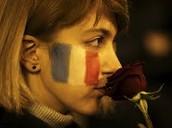 La femme qui soutient les victimes du terrorisme