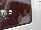 Vrachtwagen op school