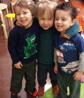 Mikito, Cole y Ezra en el Día de Pelo Loco