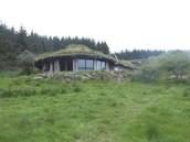 Amazing roundhouse overlooking lough Gara