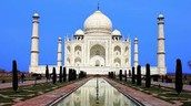 how big the taj mahal is and how meany people visited
