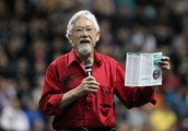 What actions did David Suzuki take to show leadership?