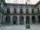Claustro del Colegio Imperial