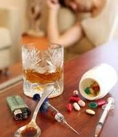 PASTILLAS COMO PUEDEN SER ANFETAMINAS O ÉXTASIS, COCAINA Y ALCOHOL