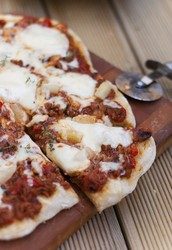 Hapukooretainaga pitsapõhi