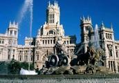 А в Испании — Мадрид в центре всей страны стоит.