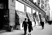 Вид улицы Горького (ныне ул. Тверская) в Москве. 1941 г.