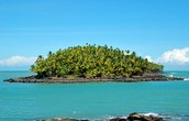 Why should people visit French Guiana and what should tourist see