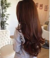 El cabello largo y cafe