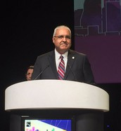 Arlington Superintendent is Texas Superintendent of the Year