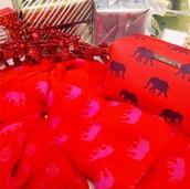 Elephant pouf & scarf