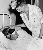 Eleanor visiting a wounded soldier