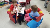 4th Graders reading with us