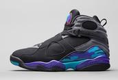 Los Zapatos: Negro y azul y morado