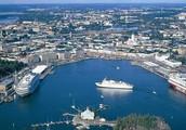 Город Хельсинки у финнов возле моря лег в низинах.