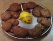Chocolate chip Cookies with lemon mouse