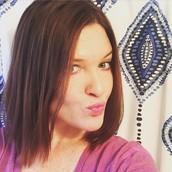Founding Beta Bronzer Beautytainer Erin Shelby