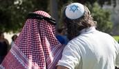איש באמונתו יחיה מבחינה של ערבים ויהודים