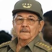 <------------- To left is Raúl Castro