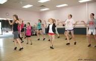 En la clase de bailar.